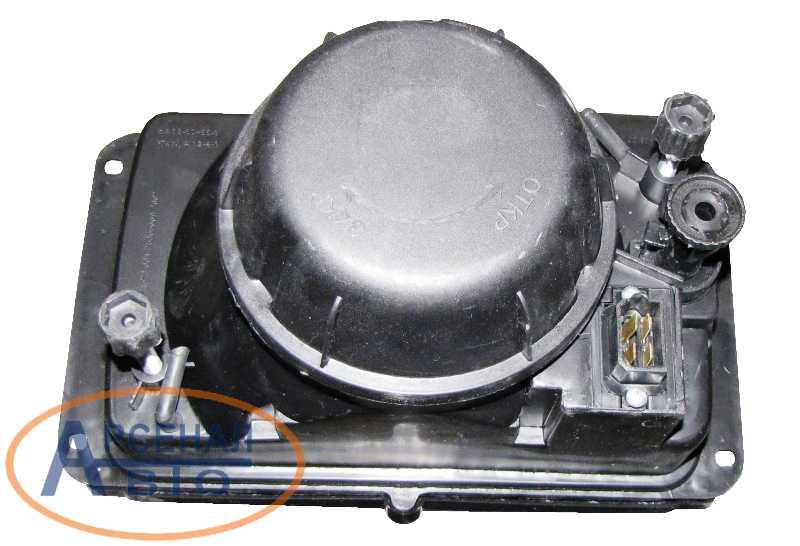 Задняя поверхность автомобильной фары